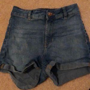 Medium wash Joni shorts